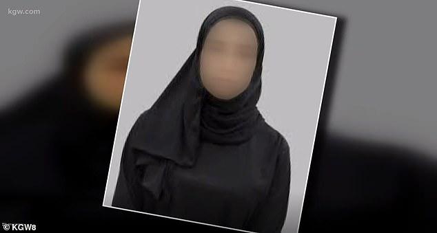 أمريكية تنزع حجاب زميلتها السعودية بالقوة - المواطن