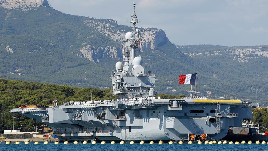 فرنسا ترسل حاملة طائرات للشرق الأوسط