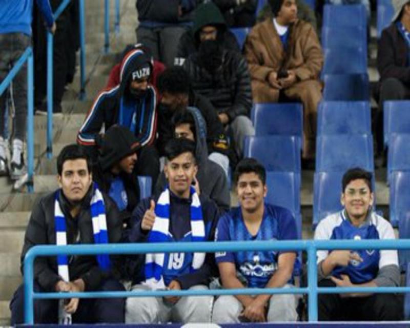 جمهور الهلال يتابع إحدى مباريات الزعيم بالدوري