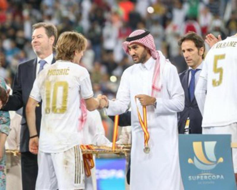 الرياضة العالمية تتحدث باللهجة السعودية