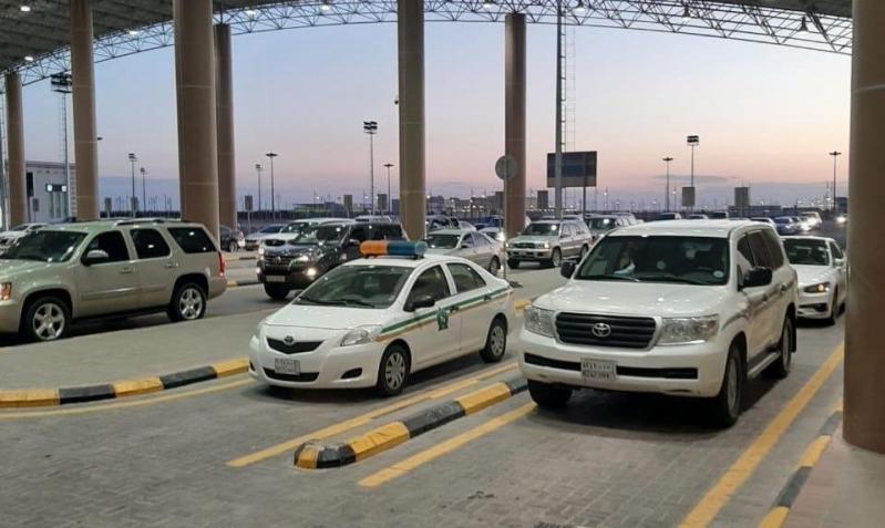 السفارة في الكويت تعلن وقف تلقي طلبات العودة: المنافذ مفتوحة