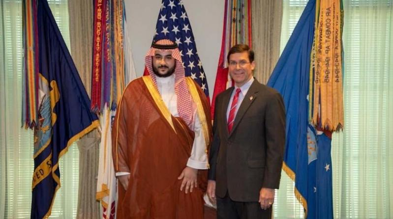 خالد بن سلمان يناقش مع وزير الدفاع الأمريكي تطورات الأحداث