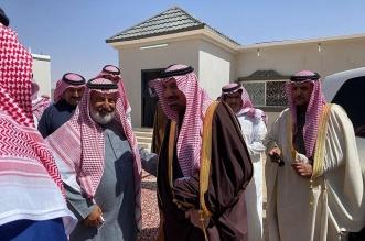 أمير نجران يزور شيخ شمل آل فهاد في منزله