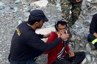 إنقاذ 3 أشخاص احتجزو بعقبة الحسام في الباحة (1)