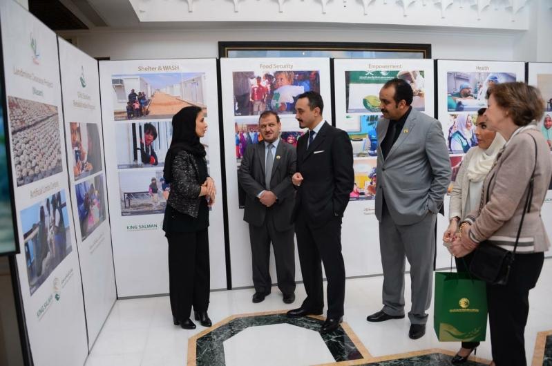 السفير خالد بن بندر يستقبل وفد مركز الملك سلمان للإغاثة
