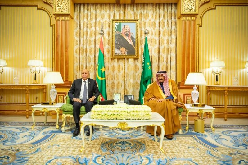 الملك سلمان يبحث تعزيز العلاقات ومستجدات الأحداث مع رئيس موريتانيا