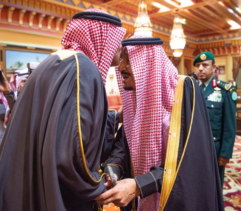 الملك سلمان يستقبل رئيس وزراء الكويت ويقيم مأدبة غداء تكريمًا له