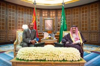 الملك سلمان يعقد جلسة مباحثات مع رئيس ارتريا