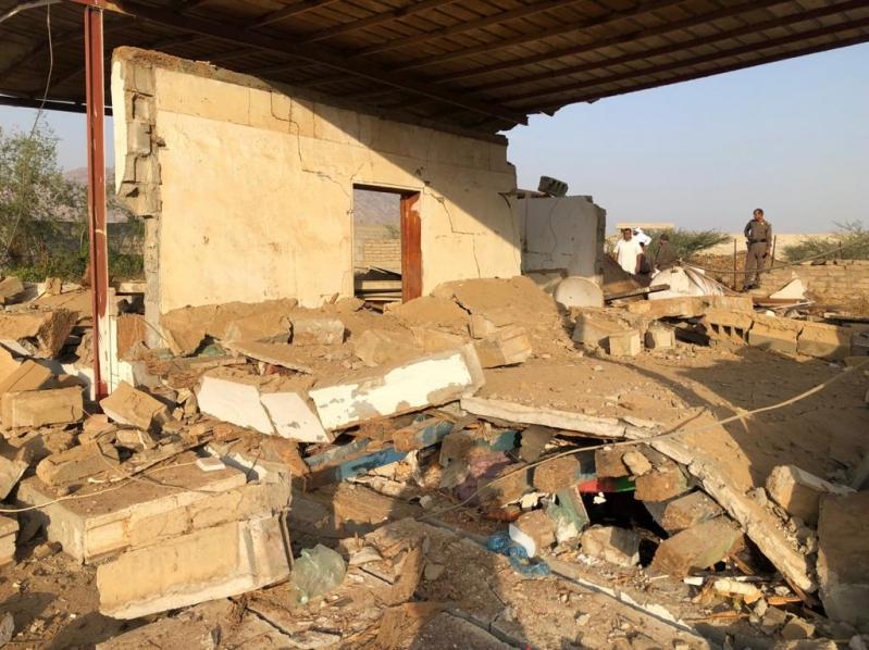 انهيار منزل ثمانينية في محايل بسبب انفجار لحظي