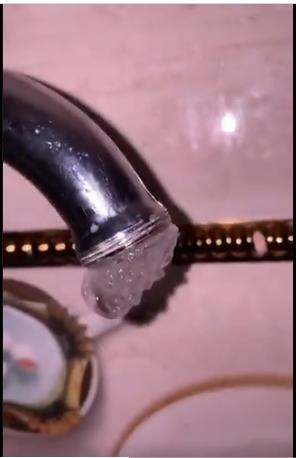 فيديو يرصد تجمد المياه في الصنابير بمحافظة طريف
