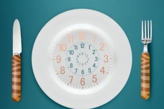 خطر تناول الطعام بعد السادسة مساء