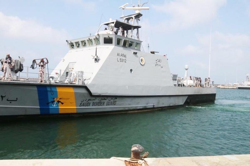 فقد في ظروف غامضة.. البحث عن صياد عثر على قاربه خاليًا في جزر فرسان