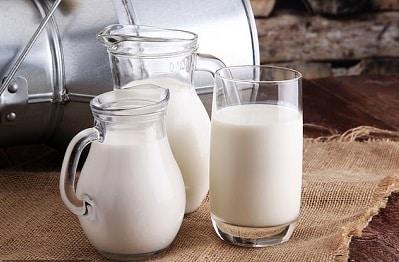 كوبان من الحليب يوميًا يزيدان خطر الإصابة بسرطان الثدي