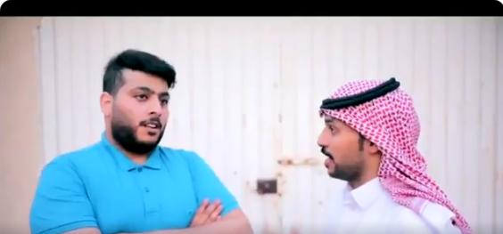 فيديو.. هكذا يحرم الآباء أبناءهم من طفولتهم واكتمال رجولتهم