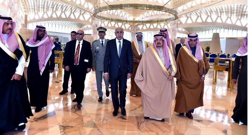 رئيس موريتانيا يصل المملكة وأمير الرياض على رأس مستقبليه