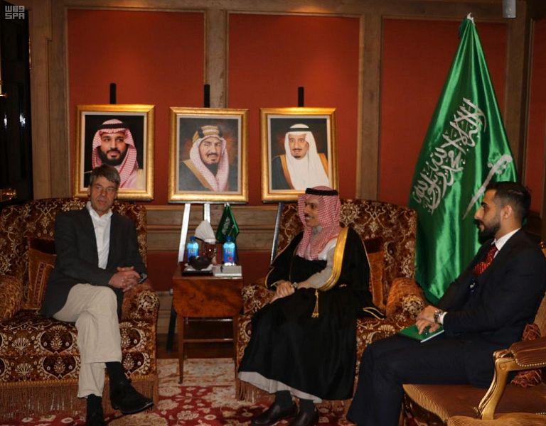 فيصل بن فرحان يبحث تعزيز التعاون مع مستشار الخارجية الألماني