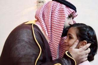 لقطات مؤثرة من عزاء محمد بن عبدالعزيز لذوي الشهيد دهل - المواطن