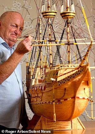 بحار يستخدم 4.1 مليون عود ثقاب لبناء نموذج سفينة - المواطن
