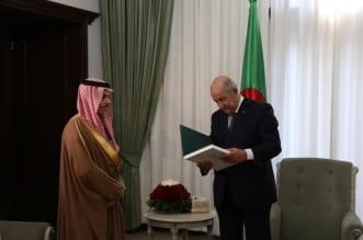 الملك يدعو رئيس الجزائر لزيارة المملكة