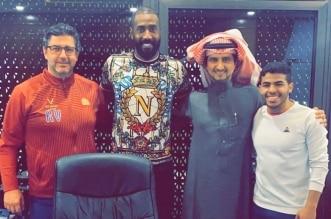 وليد عبدالله يمدد عقده مع النصر