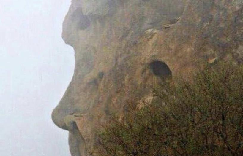 """باحثان يكشفان لـ""""المواطن"""" حقيقة صخرة جبل شدا ووجه الإنسان!"""