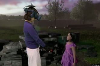 أم تقابل ابنتها المتوفية عن طريق الواقع الافتراضي