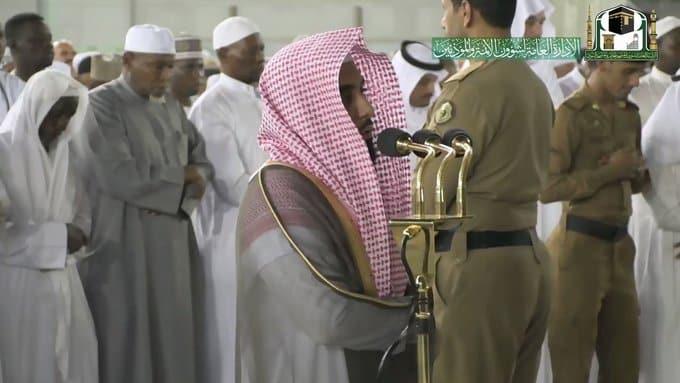 بعد غياب 5 أشهر.. عبدالله الجهني يؤم المصلين في الحرم المكي