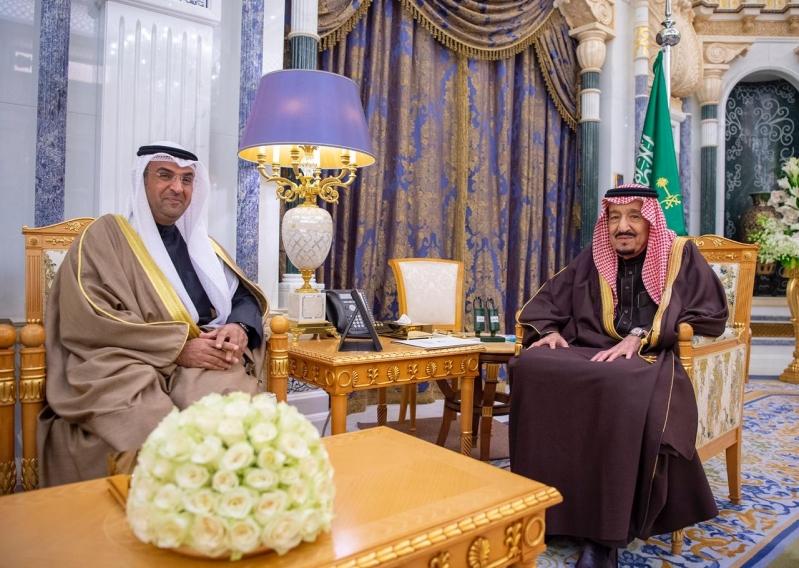 الملك سلمان يستقبل الأمين العام لمجلس التعاون الخليجي