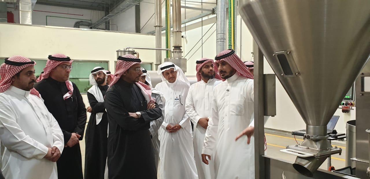 16 مصنعًا جاهزًا.. الخريف يتفقد مشروعات صناعية الرياض ...