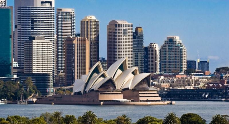 أستراليا تسجل أكبر زيادة يومية في وفيات كورونا
