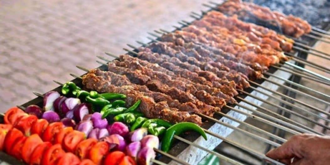 تحذير من 8 سلوكيات صحية خاطئة في العيد