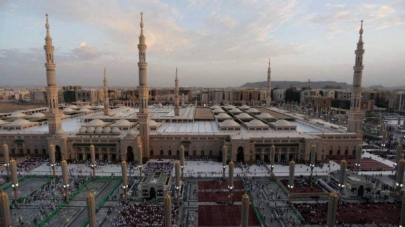 إغلاق المسجد القديم في الحرم النبوي والروضة الشريفة ومقبرة البقيع