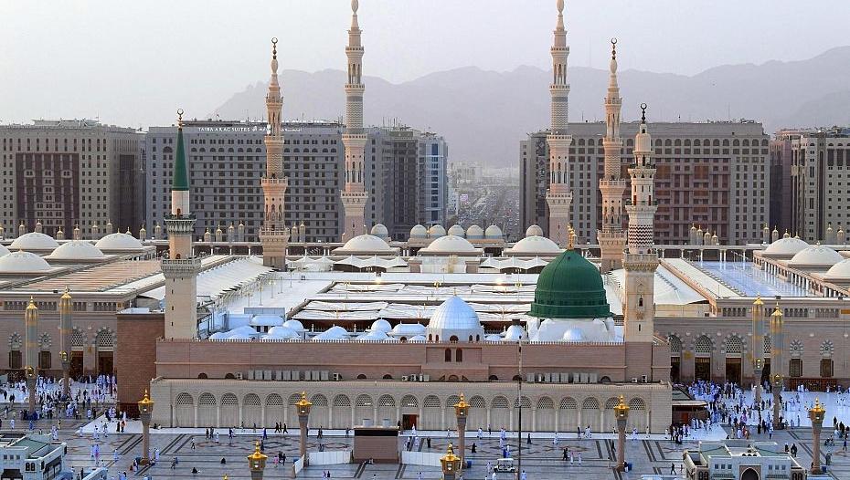 رئاسة المسجد النبوي تنشئ وحدةً للتعقيم على مدخل مبناها