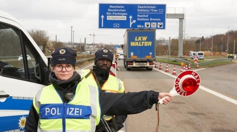 النمسا تغلق حدودها مع ألمانيا لمواجهة تفشي كورونا