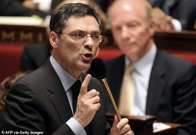 وفاة الوزير الفرنسي السابق باتريك ديفدجيان بسبب فيروس كورونا