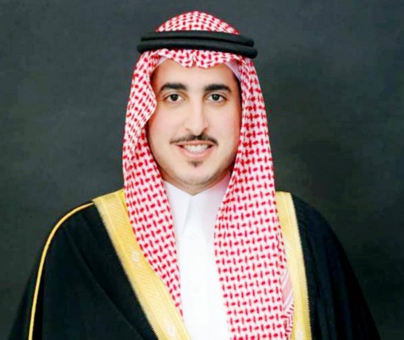 أمير الجوف يعزي الشراري هاتفيًا ويشيد بمبادرة رفض استقبال المعزين