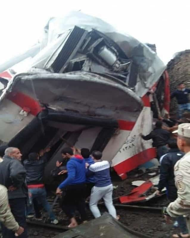 تصادم قطاري ركاب في القاهرة