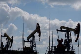 أسعار النفط تتراجع وبرنت يسجل 64.18 دولار - المواطن