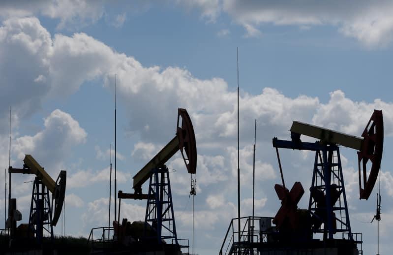النفط يسجل أكبر خسارة شهرية في التاريخ