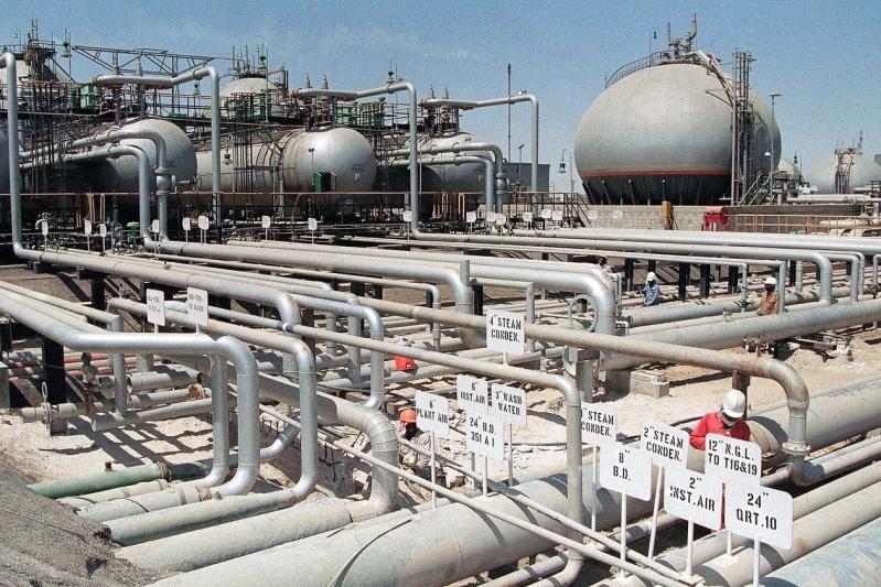 أسعار النفط تغلق مرتفعة بدعم من بيانات المصانع في الصين