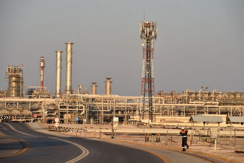 أسعار النفط ترتفع 5% قبل اجتماع أوبك+