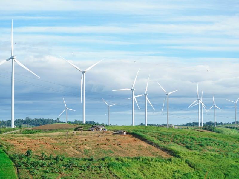 المملكة تعتزم طرح مناقصة منفصلة لمشروع طاقة الرياح بينبع