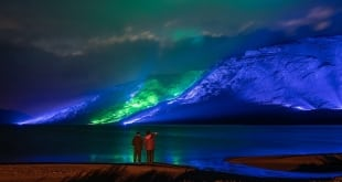 فنان يركب 1000 مصباح على طول جبال كونيمارا الأيرلندية