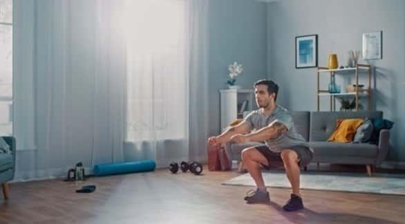 مع العمل من المنزل.. تجنب هذه الأشياء لحماية ظهرك من الألم