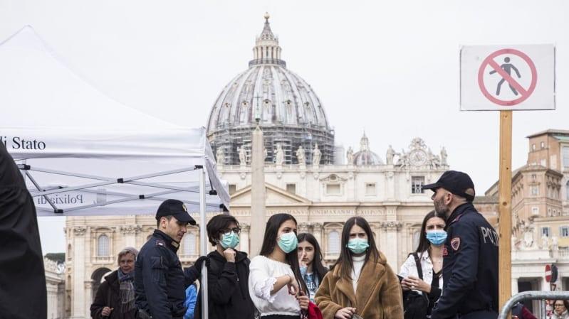 إيطاليا تسجل حصيلة قياسية لإصابات كورونا