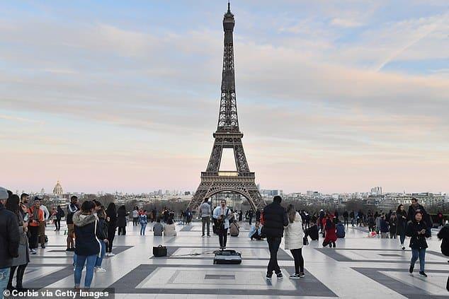 فرنسا تتخطى عتبة الـ10 آلاف وفاة بسبب كورونا