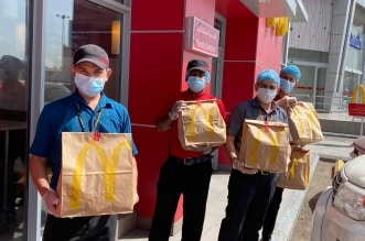 ماكدونالدز تقدم وجبة مجانية لأبطال الصحة والشرطة ونزلاء الحجر - المواطن