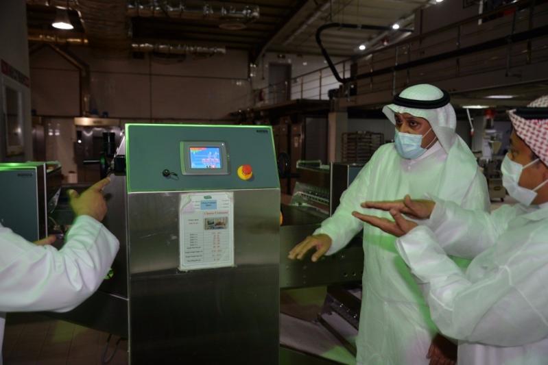مدير عام مدن يطمئن على جاهزية مصنعين للأدوية والأغذية بالقصيم - المواطن