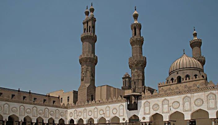 مصر تدرس خطة لإعادة فتح المساجد