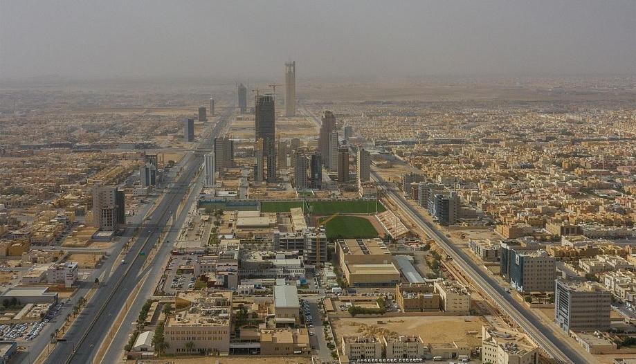 صور.. التزام أهالي الرياض بقرار منع التجول اعتبارًا من الثالثة عصرًا